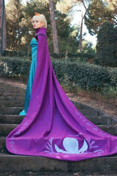 Frozen - Elsa (Coronation Dress) by Marta (Nunnally) Nerd Costumes, 70s Costume, Vampire Costumes, Hippie Costume, Dance Costumes, Frozen Cosplay, Elsa Cosplay, Frozen Costume, Disney Cosplay