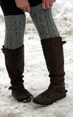 Actually legwarmers, not boot cuffs. Totally stumbled across the original pattern for this on Raverly. It's called Alpaca Sox Legwarmers from Pam Allen :] Knitted Boot Cuffs, Crochet Boots, Knit Boots, Knit Or Crochet, Knitting Socks, Free Knitting, Alpaca Socks, Crochet Leg Warmers, Knitting Accessories