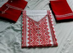 Embroidery Neck Designs, Hand Work Embroidery, Indian Embroidery, Embroidery Dress, Machine Embroidery, Mirror Work Dress, Kutch Work Designs, Herringbone Stitch, Thread Art