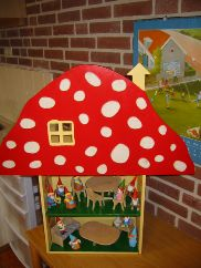 nl - Gnomes in the classroom . Games For Kids, Diy For Kids, Crafts For Kids, Fun Crafts, Arts And Crafts, Teaching Aids, Class Decoration, Wooden Pegs, Autumn Art