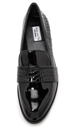 Patent black leather loafers for Paris wanders / the love assembly