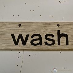 """DIY easy """"wash"""" sign for your laundry"""