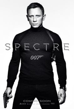 Daniel Craig as James Bond in the new Spectre poster! Out of all the Bond actors I've seen so far, Daniel Craig is my favorite! 007 Contra Spectre, Spectre 2015, 007 Spectre, Skyfall, Monica Bellucci, Film Noir, Movie Posters, Men Styles, Hunks Men