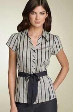 Blusa manga corta con cinturón