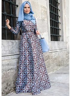 Beautiful baby blue and chocolate dress, modern islamic fashion, from Turkey. Unique Fashion, Modest Fashion, Fashion Outfits, Batik Fashion, Abaya Fashion, Hijab Outfit, Pretty Dresses, Beautiful Dresses, Abaya Mode