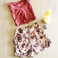 Chain Patterned Shorts w/Pockets Never worn ❤️ Marked as One Size - recommended for Small/Medium. ❤️ Has Pockets ❤️ No rips, stains, or odors. ❤️ Any questions just ask! New Mix Shorts