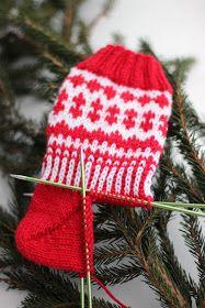 Sweet things: Adventtisukat 2017 - osa 2 Knitting Socks, Knitted Hats, Knit Socks, Boot Cuffs, Stuff To Do, Mittens, Needlework, Winter Hats, Wool