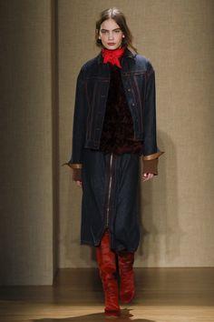 Agnona Fall 2017 Ready-to-Wear Fashion Show