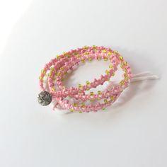 Multi wikkel groen en roze lente armband  door KnotOnlyJewellery