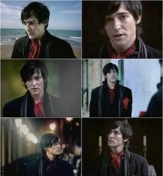 blake and the sea Blake Ritson, Things To Think About, Gingerbread Man, Reading, Biscuits, Portraits, Sea, Fictional Characters, Black