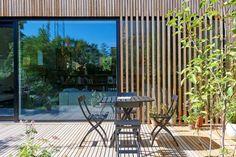 Morsøvej 14 privatbolig Canadisk Cedertræ Foto: Erik Brahl Facade Design, Patio Design, House Design, Wood Facade, Timber Cladding, Outside Living, Outdoor Living, Danish House, Long House