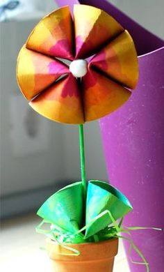 Flowers made from t.p. rolls. I think this would be a great Mother's Day project in Sunday school!!