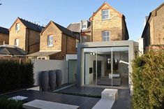 Extension for an Edwardian semi-detached house having a modern backyard 2 Semi Detached, Detached House, Residential Architecture, Architecture Design, Edwardian Haus, Rear Extension, Extension Ideas, Extension Google, Planer Layout