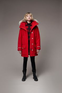 Woolrich Fall 2019 Ready-to-Wear Fashion Show Collection: See the complete Woolrich Fall 2019 Ready-to-Wear collection. Look 11 Fashion Show Collection, Designer Collection, Vogue Paris, 4th Of July Outfits, Check Dress, Mannequins, Canada Goose Jackets, Editorial Fashion, Ready To Wear