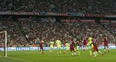 Mehdi Benatia marcandonel primer gol del partido