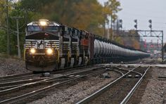 Oil Train Revival: Booming North Dakota Relies on Rail to Deliver ...  ( and to delay Amtrak passenger trains)