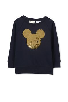 This loopback cotton blend batwing fleece top is the perfect addition to any wardrobe, with raglan seams and rib cuffs & hen band aswell as a doting sequin print on the front. This is the ultimate cool fleece style!!