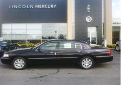 Lincoln Town Car Signature L Lincoln Motor Company, Ford Motor Company, Lincoln Town Car, Lincoln Mercury, Car Car, Luxury Cars, North America, Autos, Fancy Cars