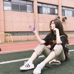 📷 han_kyung__ discovered by Mouse🐀 on We Heart It Grunge Style, Soft Grunge, Uzzlang Girl, Hey Girl, Cute Korean Girl, Asian Girl, Black Korean, Aesthetic Korea, Jennie Blackpink