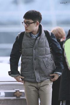 Incheon Airport to Shanghai 160115 : D.O. (1/2)