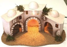 839-Conjunto casas con luz Christmas Village Display, Christmas Nativity Scene, Christmas Diy, Doll House Plans, Glitter Houses, Cardboard Crafts, Miniature Houses, Xmas Decorations, Diorama