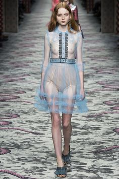 Like: mulberry-cookies #Fashion for the younger via @Liao_a Post #moda