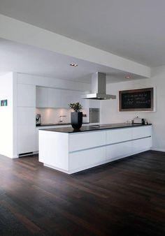 Küchen-Ideen Bonn house: modern kitchen by Corneille Uedingslohmann Architects Water Bed : The Benef Best Kitchen Designs, Modern Kitchen Design, Interior Design Kitchen, Interior Modern, Modern Decor, Modern Furniture, Furniture Design, Küchen Design, Home Design