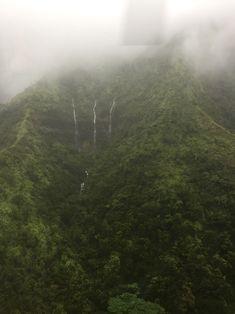 Der Helikopterflug durch den Canyon hat viele Überraschungen bereit gehalten. Zum Beispiel diese drei Wasserfälle :).