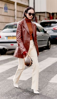 The Best Street Style From Paris Fashion Week A/W 2019 You are in the right Looks Street Style, Looks Style, Fashion Weeks, Cool Street Fashion, Paris Fashion, Fashion Fashion, Runway Fashion, Fall Wardrobe, Capsule Wardrobe