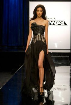 "On episode 3 of Project Runway, ""Surprise Me,"" the teams created both an ad campaign and press event look for the launch of Heidi Klum's new perfume Surprise. Runway Fashion, High Fashion, Fashion Show, Fashion Design, Fashion Details, Ladies Fashion, Fashion Fashion, Fashion News, Marchesa"