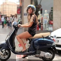 Shopping in Vespa is even funnier!