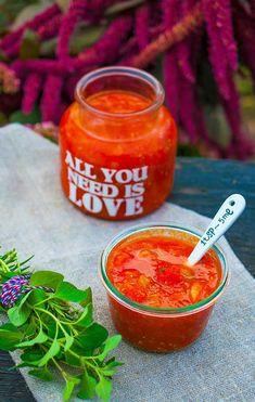 talianska paradajková omáčka sugo Bouquet Garni, Salsa, Ethnic Recipes, Food, Essen, Salsa Music, Meals, Yemek, Eten
