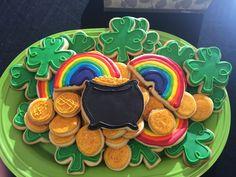 St. Patrick's Day Royal Icing Sugar Cookies by @cookiesbykatewi #irish #luck #gold #shamrocks #potofgold #rainbows #cookiedecoration