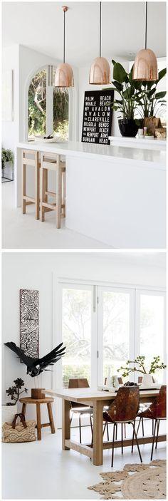Le cuivre a été l'un des matériaux les plus populaires dans le monde du design d'intérieur au cours des dernières années. Et en 2017, la folie continue! Apparaissant non seulement dans des petits détails des mobiliers scandinaves mais aussi dans des designs d'éclairages les plus étonnants, le cuivre est définitivement la pour rester.  #décorationd'intérieur #décodeluxe #intérieursluxueux  #inspirationdedesign #projetsdécoration #projetsdéco #suspensiondeluxe #eclairagedeluxe #suspensiondeco…