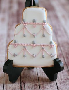 Wedding Cake Cookie Favor by TheBakedEquation on Etsy, $84.00