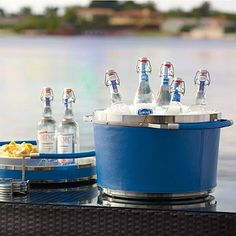 Every piece of our exclusive Marine-grade Barware is crafted of stainless steel then covered with handsome marine-grade vinyl that is perfect for outdoor entertaining.