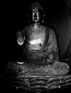 Yakushi Nyorai Buddha statue, Kyoto, Japan: photo by kisyu, via Flickr