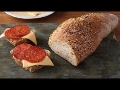 Túrós-fokhagymás bagett - YouTube Bacon, Bread, Youtube, Food, Brot, Essen, Baking, Meals, Breads