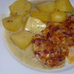 Flammschnitzel mit Kartoffeln auf Petersiliensauce