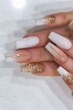 Acrylic Nail Designs Coffin, Gold Acrylic Nails, Glitter Nail Art, Kylie Nails, Gel Nails, Coffin Shape Nails, How To Shape Nails, Gold Coffin Nails, Nails Design With Rhinestones