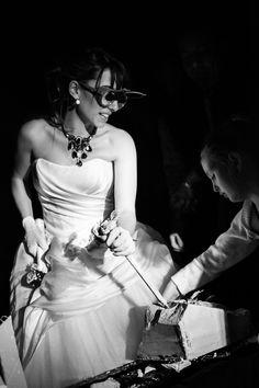 A rock&roll bride Wedding Function, Italy Wedding, Professional Photography, Photography Portfolio, Formal Dresses, Wedding Dresses, Rock And Roll, One Shoulder Wedding Dress, Brides