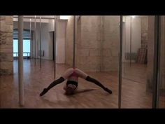 Tutorial Pole Dance FLOORWORK - Le STRADDLE INVERT - Its in french but very self explanatory from the movements