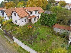 Rodinný dům 200 m² k prodeji Jeviněves, okres Mělník; 2990000 Kč (Včetně provize RK a právního servisu, + daň z nabytí nemovitých věcí (4%)), parkovací místo, garáž, patrový, samostatný, cihlová stavba, ve velmi dobrém stavu.