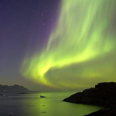 Gorgeous.... view of the aurora borealis in Greenland.