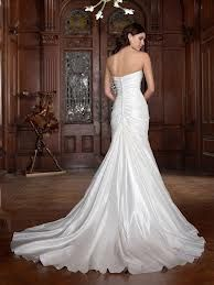 Chic wedding dress.  www.brayola.com