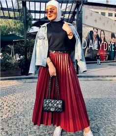 How to wear chic hijab in cold winter days – Hijab Fashion 2020 Hijab Chic, Modest Fashion Hijab, Hijab Style, Casual Hijab Outfit, Muslim Fashion, Fashion Outfits, Hijab Wear, Cute Summer Outfits, Simple Outfits