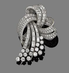 A diamond spray brooch, circa 1950 Of scrolling design, set throughout with… Bow Jewelry, Diamond Jewelry, Jewelry Design, Zipper Jewelry, Jewellery, Antique Brooches, Antique Jewelry, Vintage Jewelry, Diamond Brooch