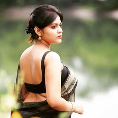 Here is best images collection of Indian beautiful women. Beautiful Indian girls images, Latest hd images of college girls, Awesome beautiful aunty images. College Girl Pics, The Most Beautiful Girl, Beautiful Women, Indian Beauty Saree, Indian Sarees, India Beauty, Asian Beauty, Indian Girls, Girl Pictures