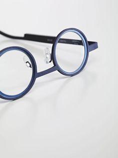 city trip, eyeglasses collection designed by Jean-François D'Or for Matttew.be LOUDORDESIGN studio / industrial design Cool Glasses, Glasses Frames, Eye Glasses, Funky Glasses, Lunette Style, Design Digital, Eye Frames, Optical Frames, Four Eyes