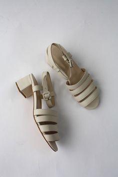 mnz palma low sandal in shell calf   lisa says gah.